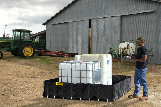 Containment Berm®, Agriculture Models   Environmental Containment Products