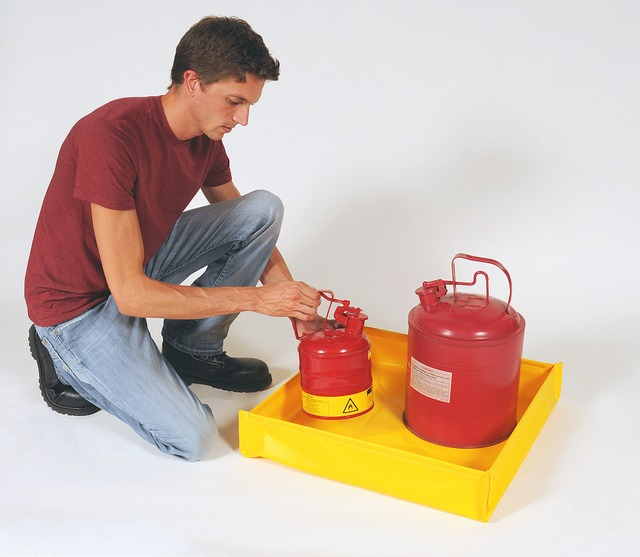 Utility Tray, Flexible Model   Environmental Containment Products