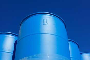 Tips for Handling Polyethylene Barrels